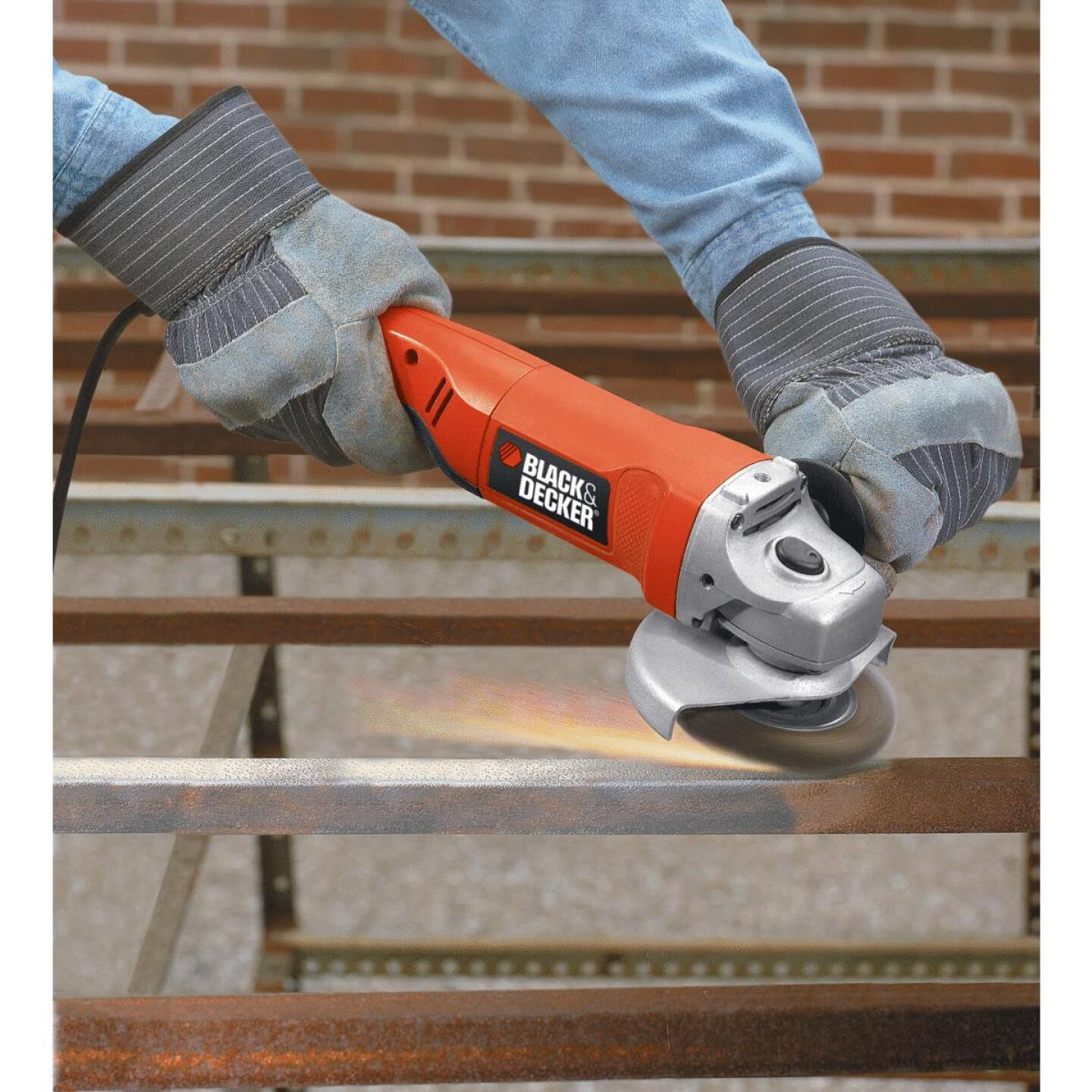 Black & Decker 4-1/2 In. 8.5-Amp Angle Grinder Image 2
